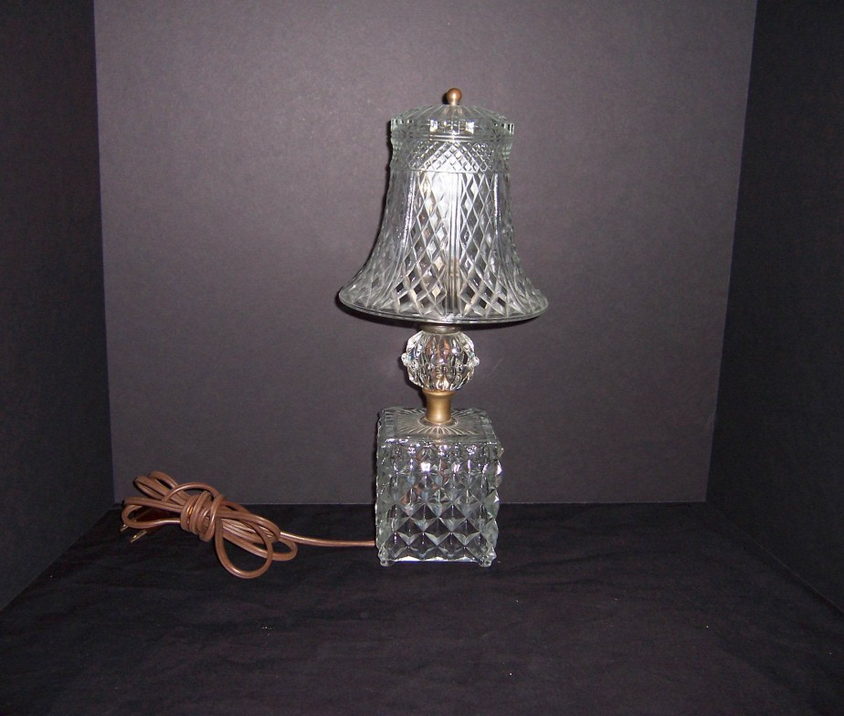 triple a resale Antique 1920 s Diamond Point Crystal Vanity Lamp